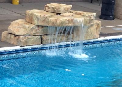 cascada de agua mediana