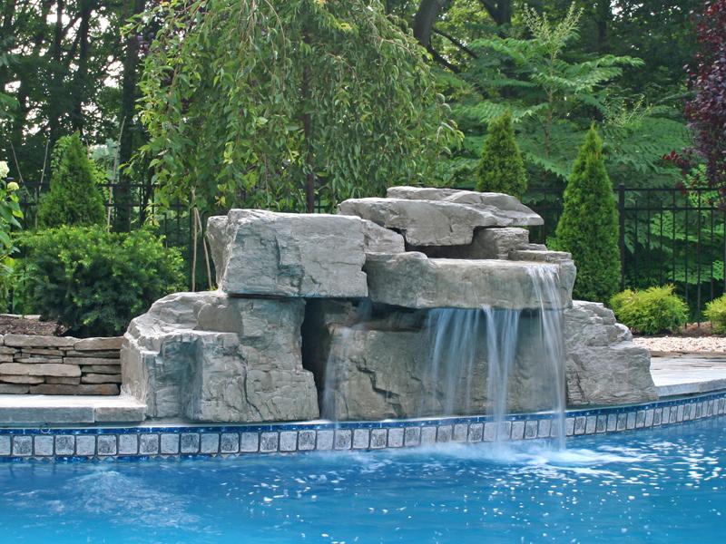 piscinas con cascada