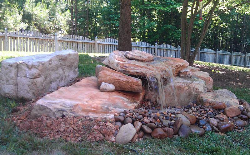 Cascada para jardin y piscinas artificiales cascadasyrocas for Cascadas de piedra para jardin