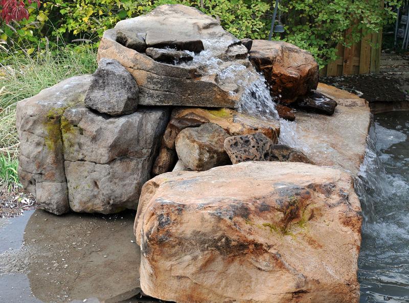Cascada para jardin y piscinas artificiales cascadasyrocas - Rocas para jardin ...