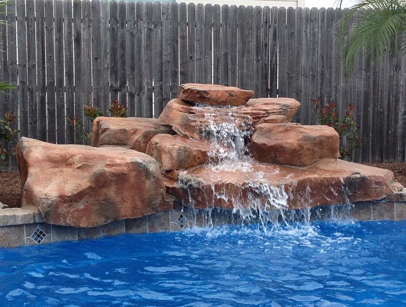 Cascada en kit de rocas artificiales para piscinas for Cascadas artificiales en piscinas
