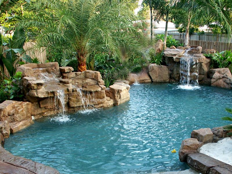 proyecto decoración piscina con cascada
