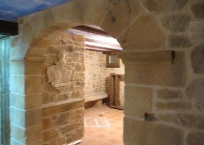 bodegas-con-arco-de-piedra-artificial