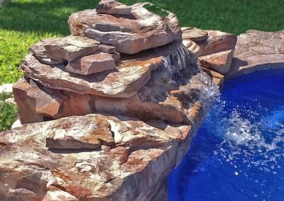 cascada-de-roca-artificial-primer-plano