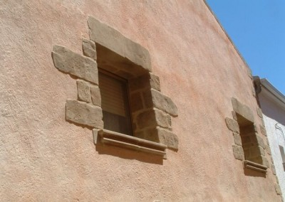fachada-casa-piedra-ventana