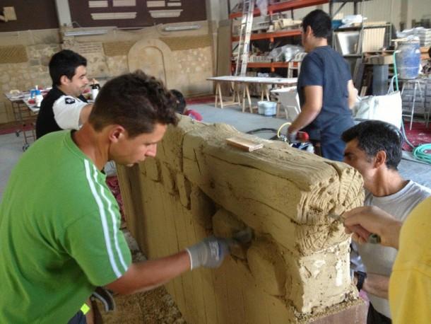 reproduccion de maderos en escuela de formacion tecnica de construccion