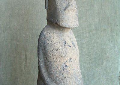 Figura-moai-vista-frontal