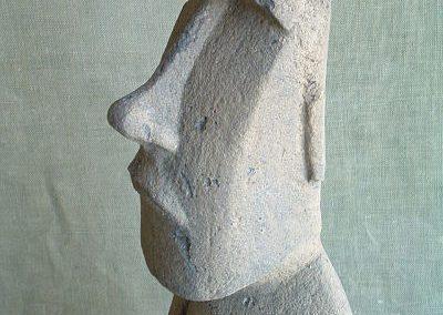 Figura-moai-vista-lateral