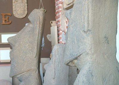 Figuras-moai-en-taller