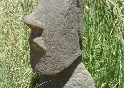 escultura-moai-jardin-m1