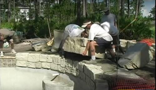 instalación cascada artificial
