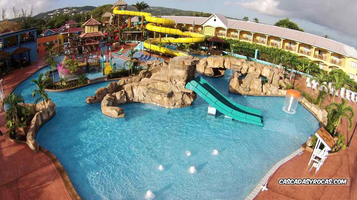 hoteles piscinas tematicas